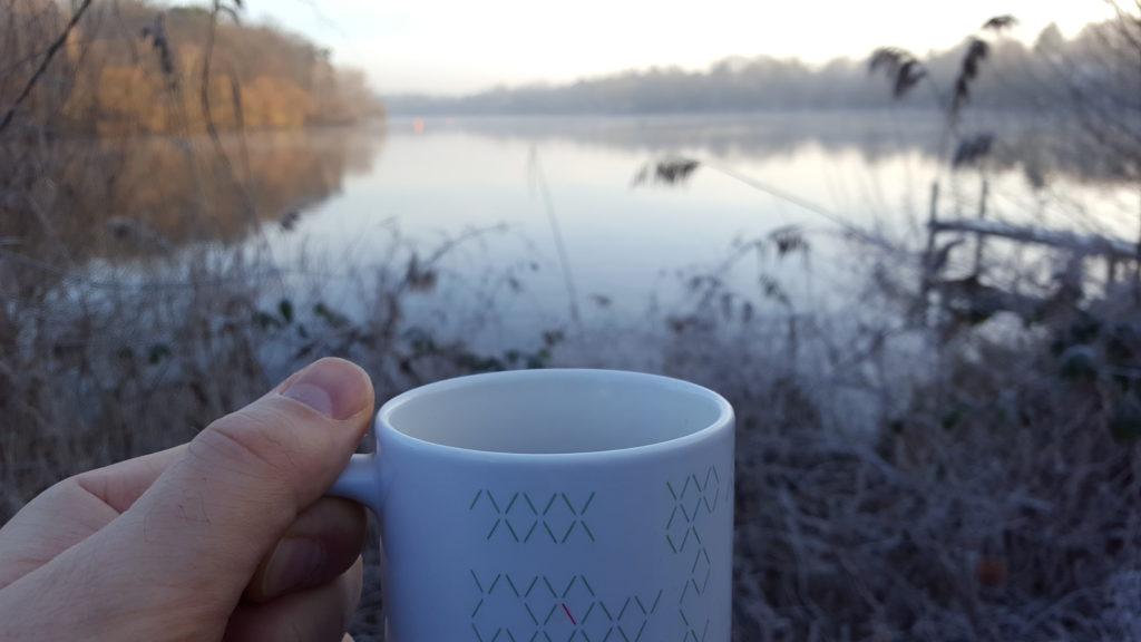 Kaffeetasse vor Griebnitzsee